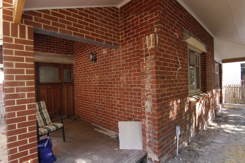 colonial-tuckpointing-tuckpointing-before-after-image-set-03-1-jpg