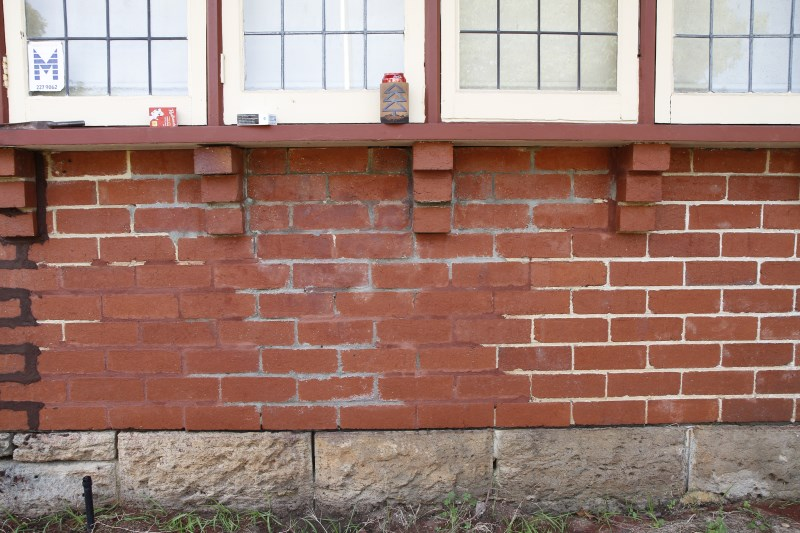 colonial-tuckpointing-tuckpointing-before-after-image-set-06-1